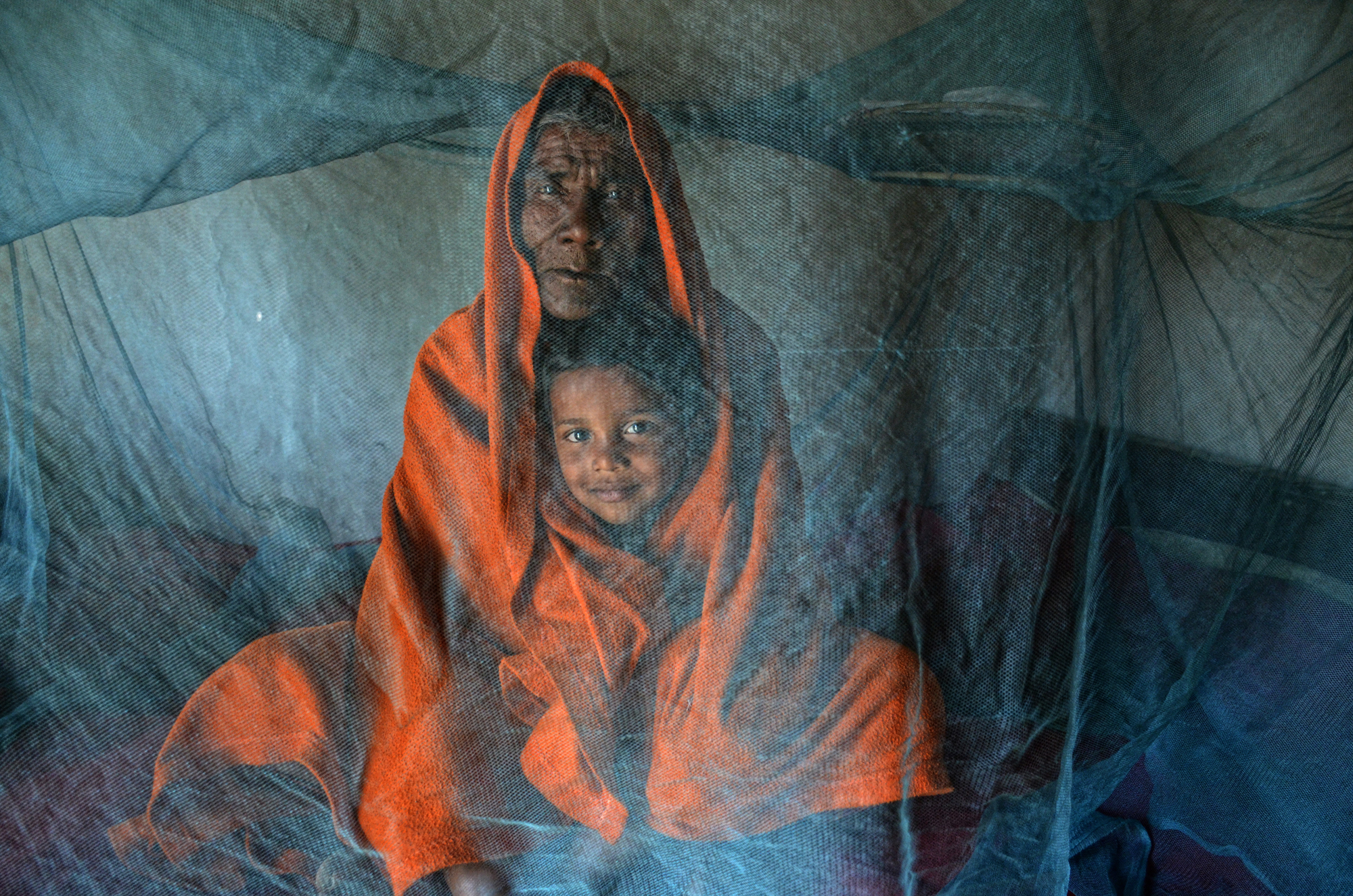 https://www smithsonianmag com/photocontest/detail/people/rising